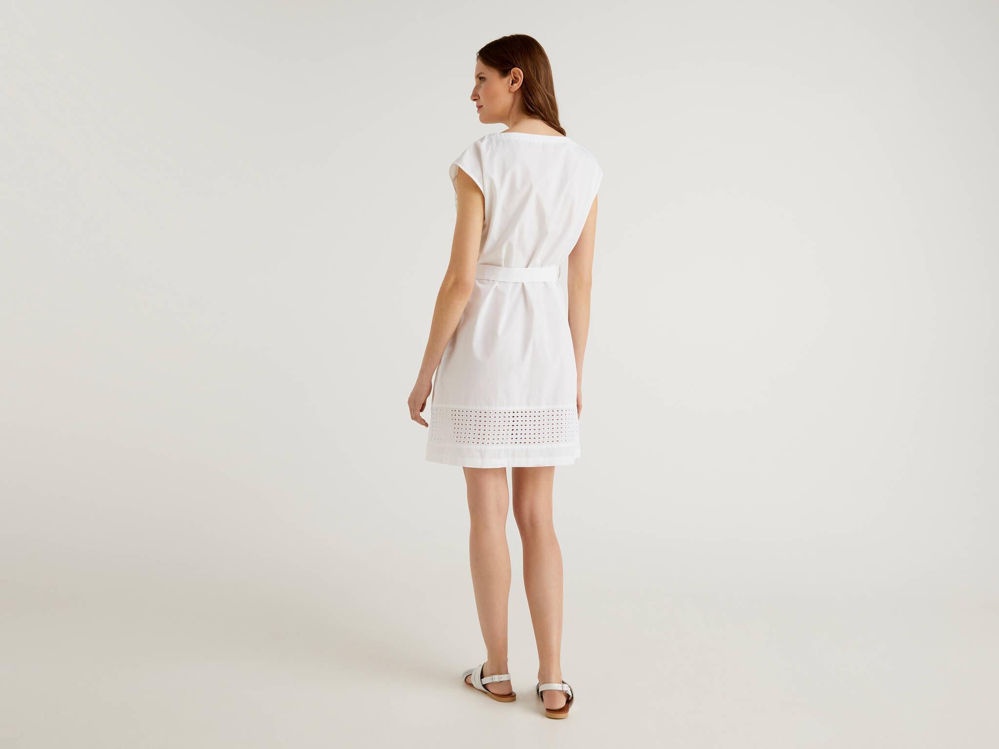 Lazer Kesikli Elbise