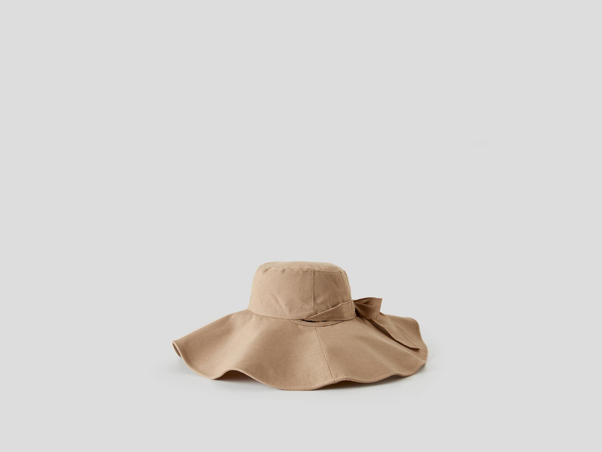 Bağcıklı Floopy Şapka