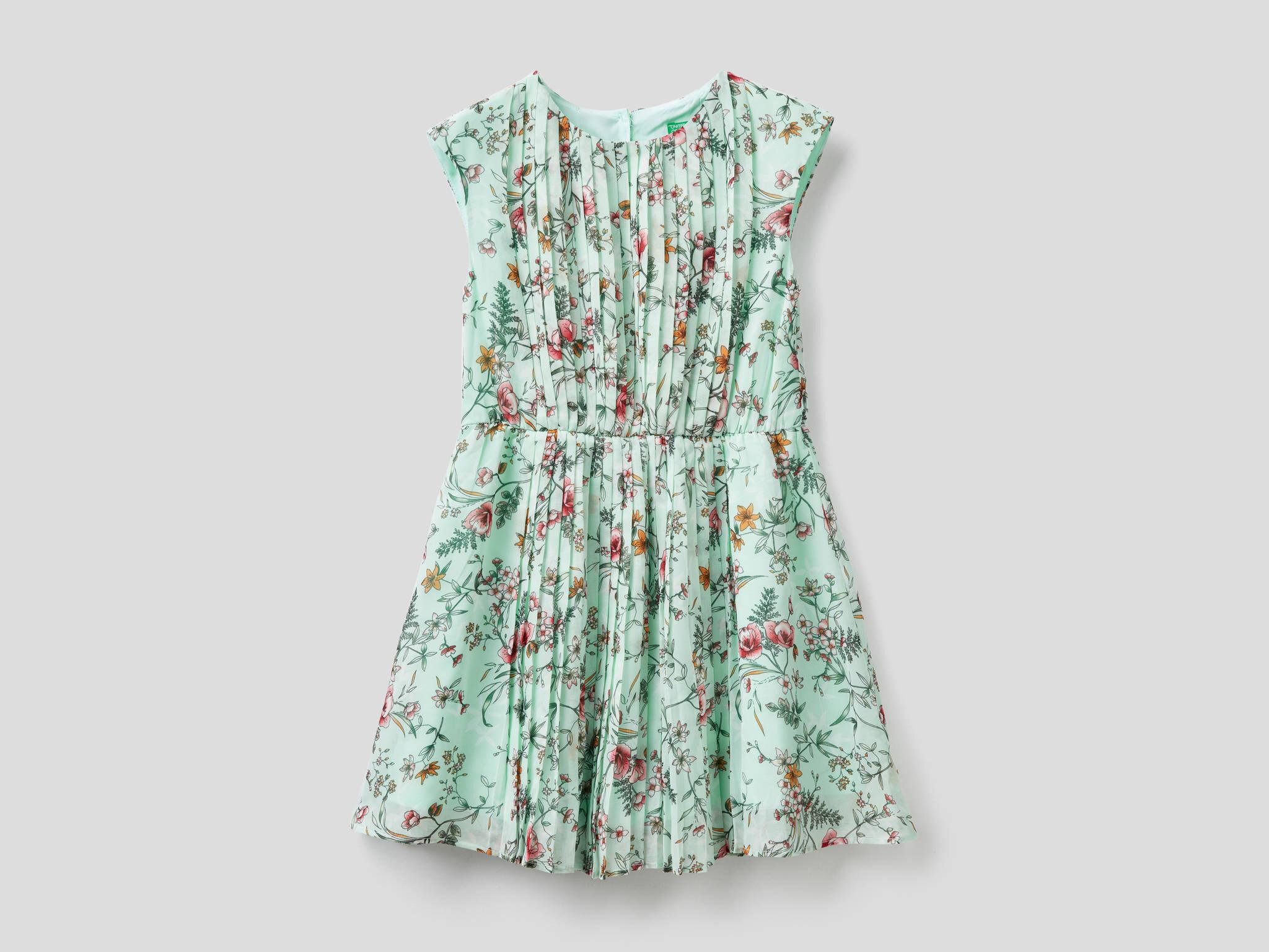 Çiçek Desenli Pileli Elbise
