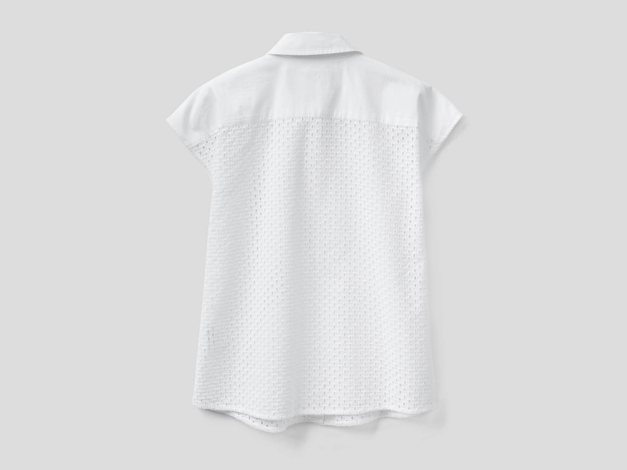 Nakışlı Kolsuz Bluz