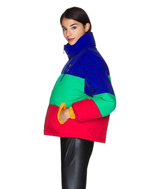 Renk Bloklu Şişme Mont