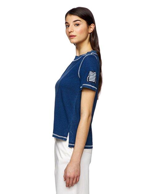 Kayık Yaka Eskitme Efektli Tshirt