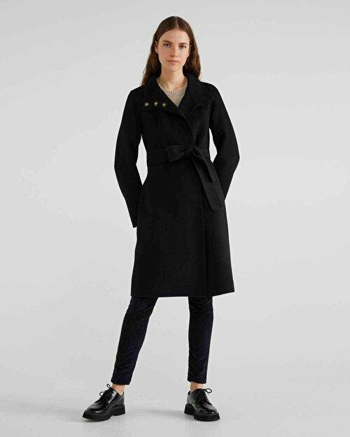Kemerli Ve Bağcıklı Yün Palto
