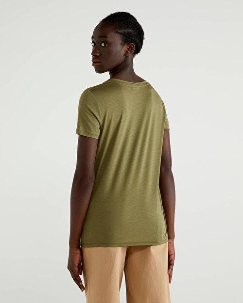 %100 Liyosel V Yaka Tshirt