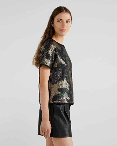 Pul Kaplı Kamuflaj Desenli Tshirt