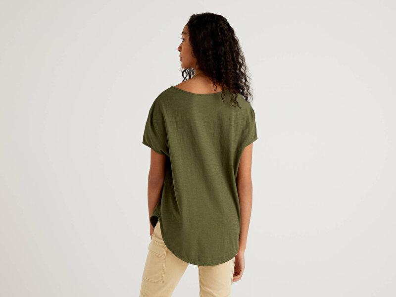 Geniş Yaka Eteği Oval Tshirt